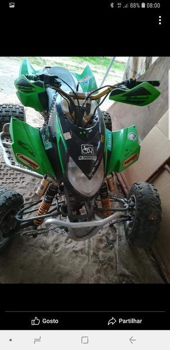 Moto a dvx 400