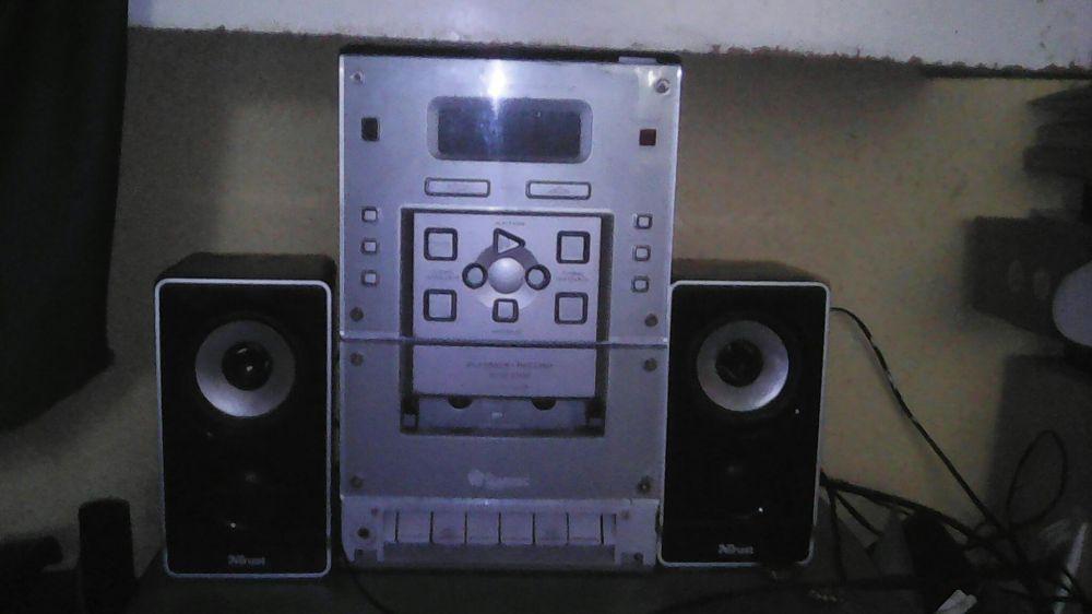 Vand combina Domotec+casetofon Thomson portable cd radio cassette rec.