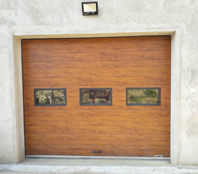 Uși de garaj rezidențiale - 3001*3001(lxh) stejar auriu +3 Geamuri