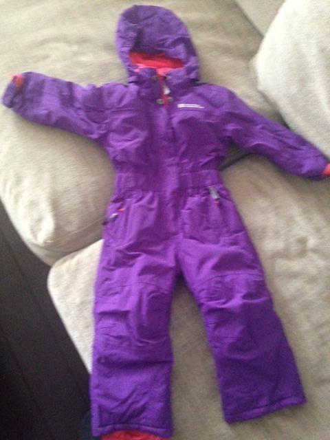 costum ski copii 2-3 ani ( se potriveste pana la 106)