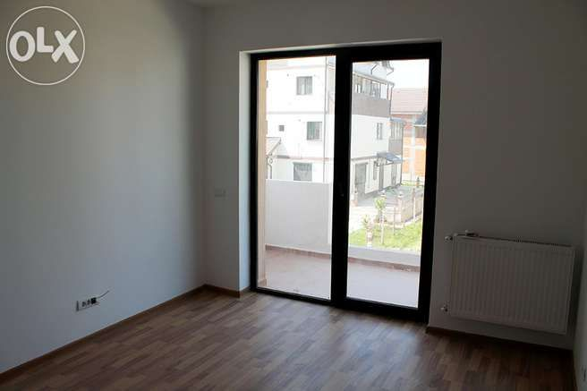 Vand apartament 2 camere LUX in bloc nou