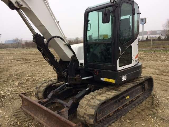 Inchiriem mini excavator 8 tone senile, 14 tone pneuri