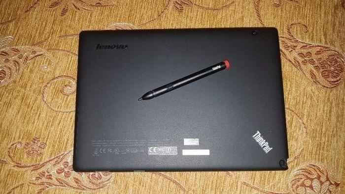 """Продавам 10.1"""" 3G Таблет Lenovo Thinkpad Indigo и USB клавиатура"""