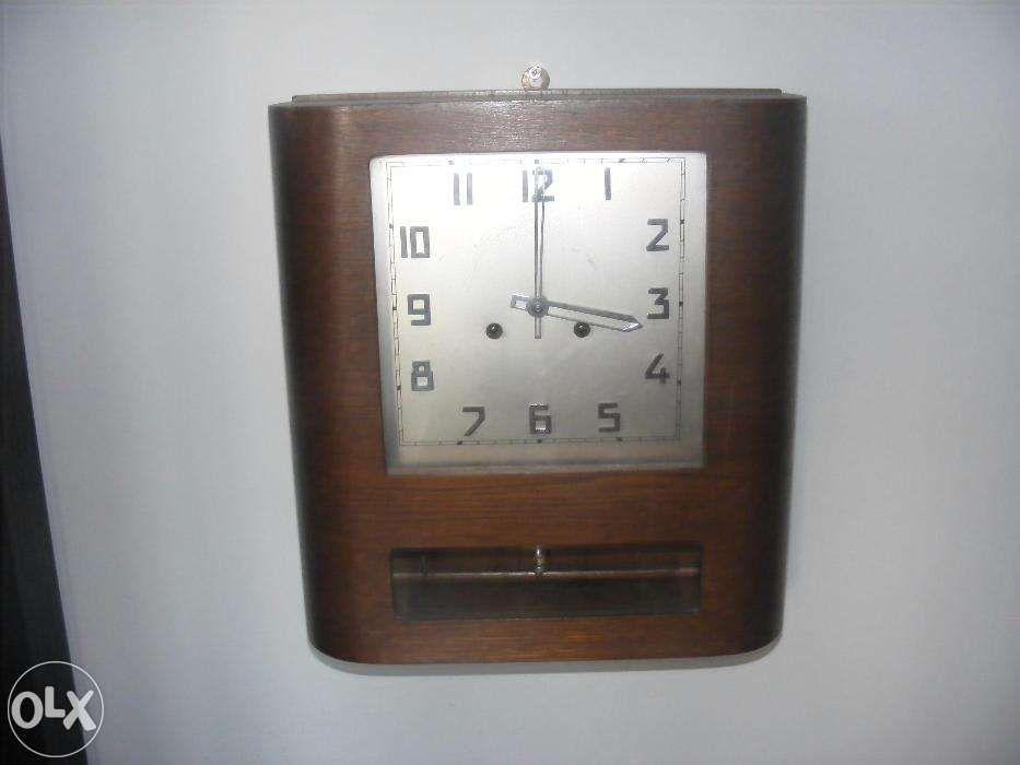 Ceas de perete cu pendula/pendul model inedit