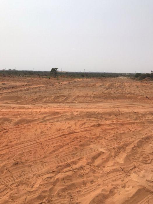 Vende-se um terreno de 7.700 m2 na centralidade do kilamba