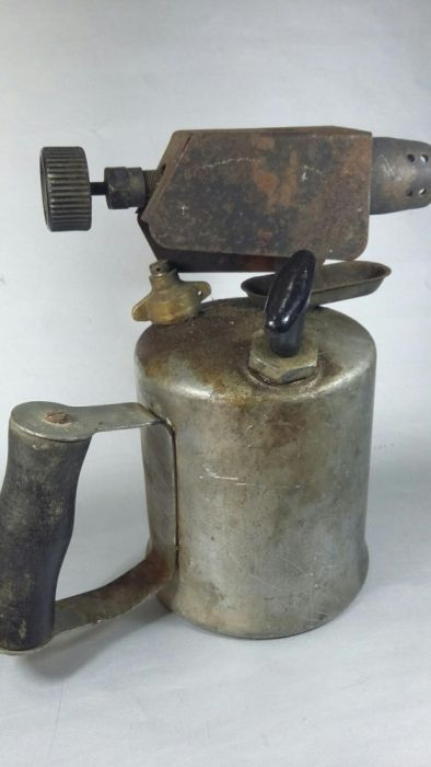 Lampa veche gaz&petrol din 1981