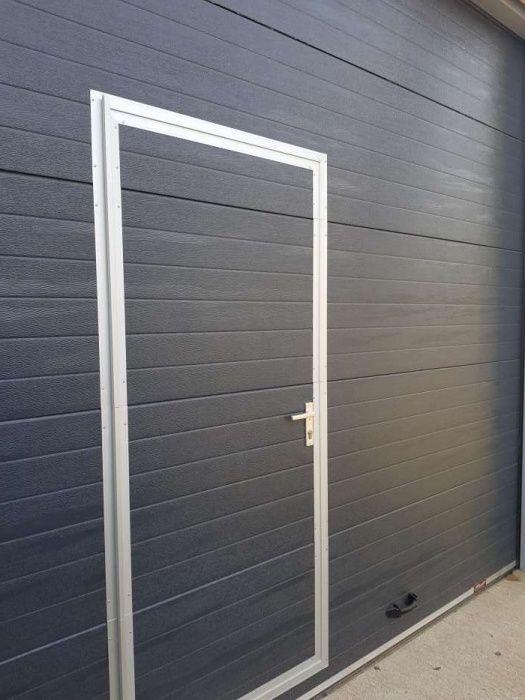 Ușă de garaj 3505L/3601H , sectionale, izolate cu 2x Telecomenzi