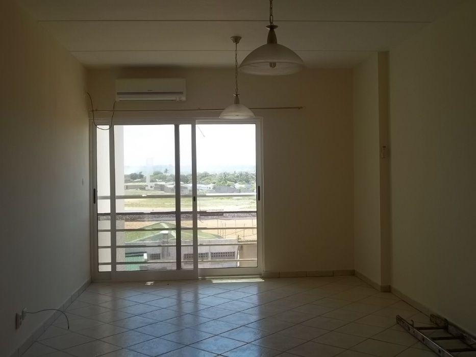 Vende-se Apartamento T3 novo na Casa Jovem, Maputo