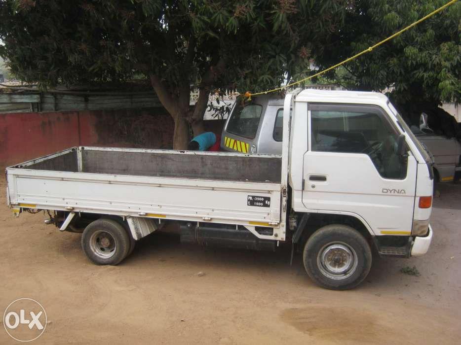 Toyota dyna 2 ton com motor 5L a venda