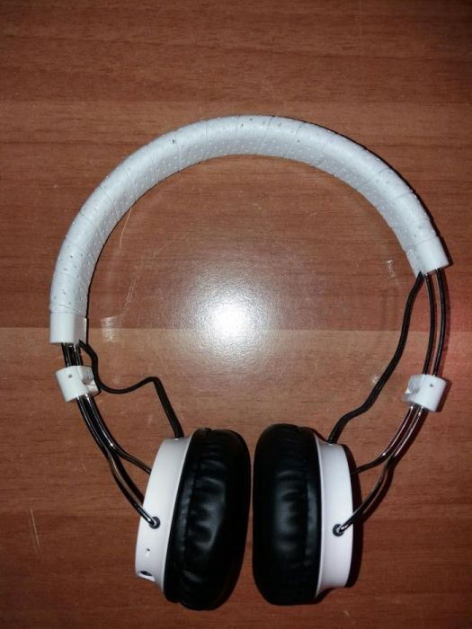 Philips CitiScape SHB8000WT/00 Bluetooth casti audio