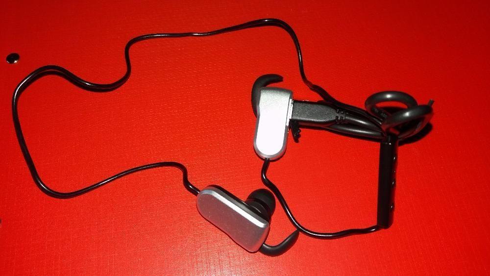 Casti intraauriculare cu Bluetooth V 4.0