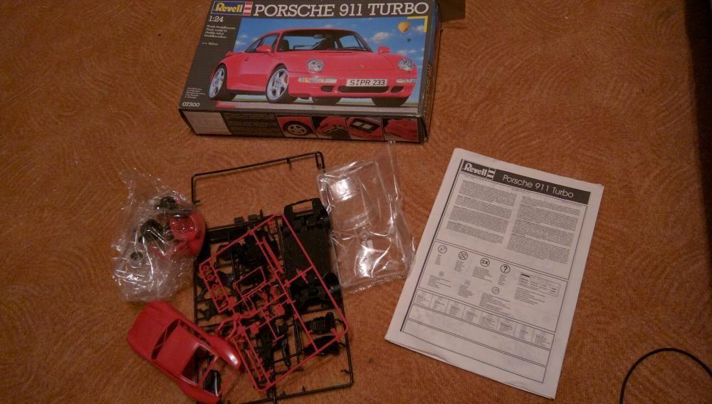 Porsche 911 Turbo Revell - Nr. 07300 - 1:24 сглобяем модел