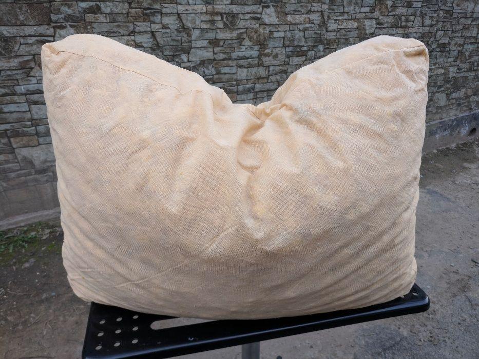 Подушка в посёлке Алатау(ИЯФ) из поролона