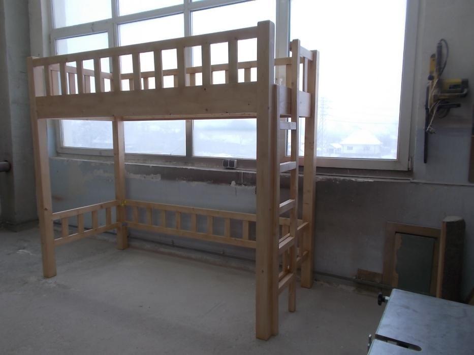 Pat etajat cu spatiu de joaca sau birou.cod B.E.J.002