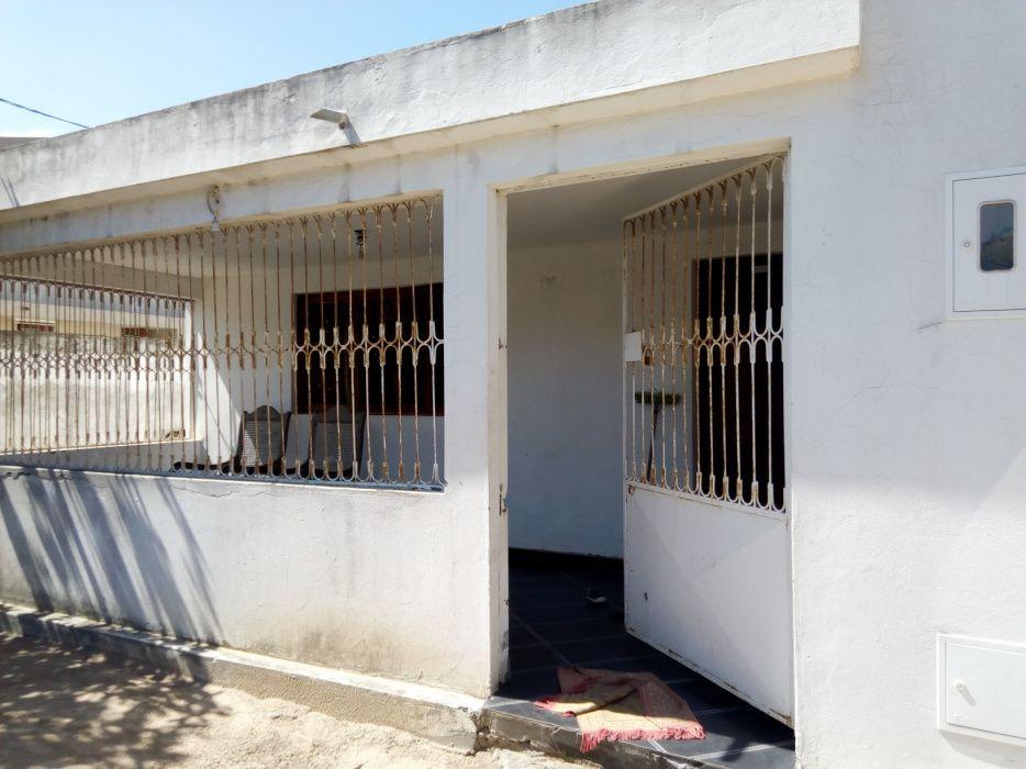 Vendo esta casa T3 cobertura placa no Zimpeto próximo Vila Olímpia