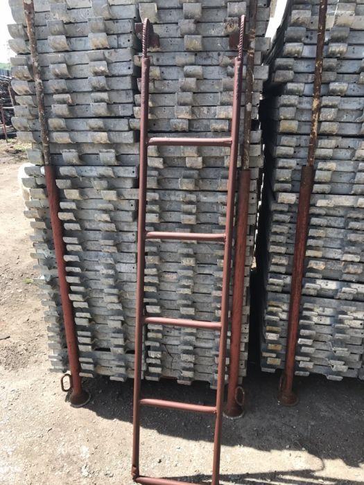 Стълби за скеле