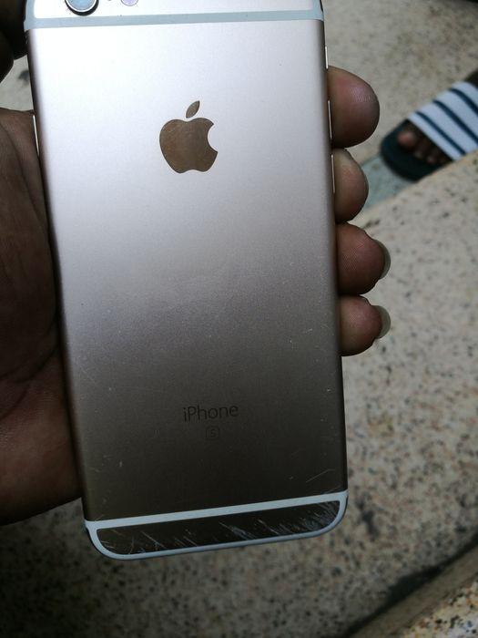 IPhone 6s raspado baze em baixo como endica as fotos