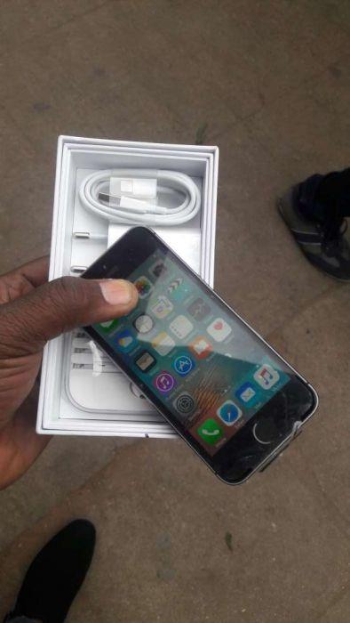 Iphone 5s com todos acessorios