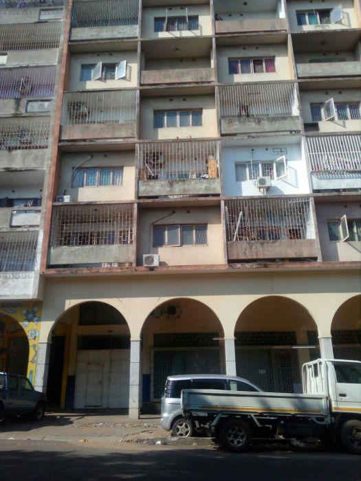 Vende se este super espaçoso apartamento tp2 no 5andar B Alto Maé CM