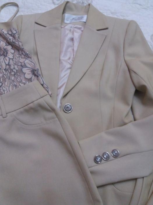 Женский костюм. Продаю не дорого. Мода и стиль. Продаю не дорого.