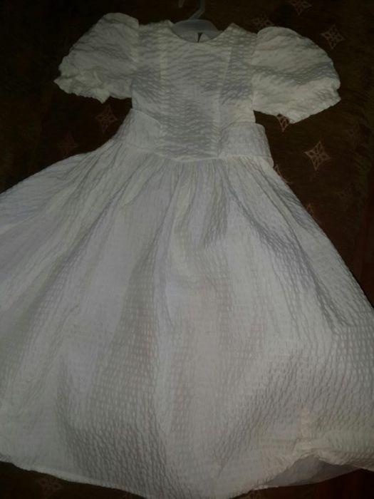Нарядное белое платье. Детское платье.