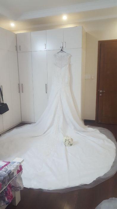 Дизайнерска булчинска сватбена рокля с обувки