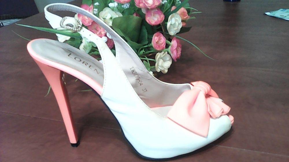продам стильные женские туфли