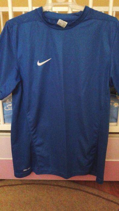 Vand tricou Nike albastru marimea M