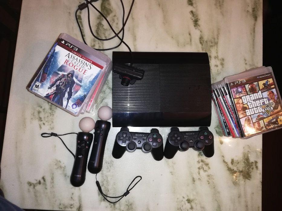PS3 com 500 GB +playstation move +dois comandos +17 jogos em disco