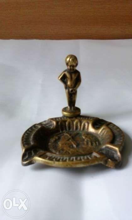 vand scrumiera veche din bronz masiv