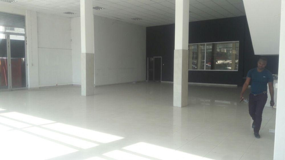 Venda de um edifício com 4000 m² de área coberta, loc no B jardim Bairro do Jardim - imagem 6