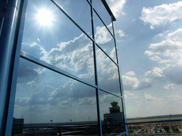 Folie protectie solara pentru geamuri cladiri