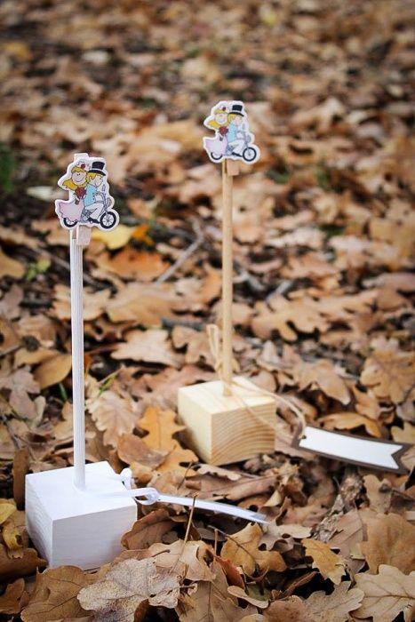 Ръчно изработена дървена стойка за снимка/поставка за тейбъл картичка