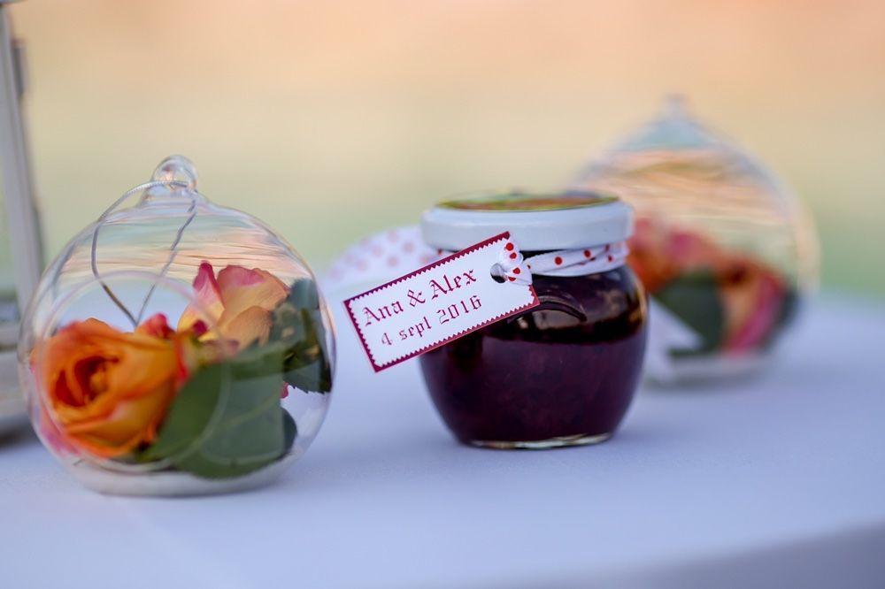 Marturii nunta/botez borcanele dulceata de trandafiri