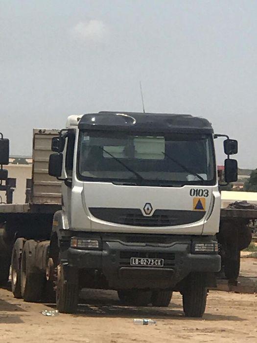 Vende-se camião Renault 13MILHÕES