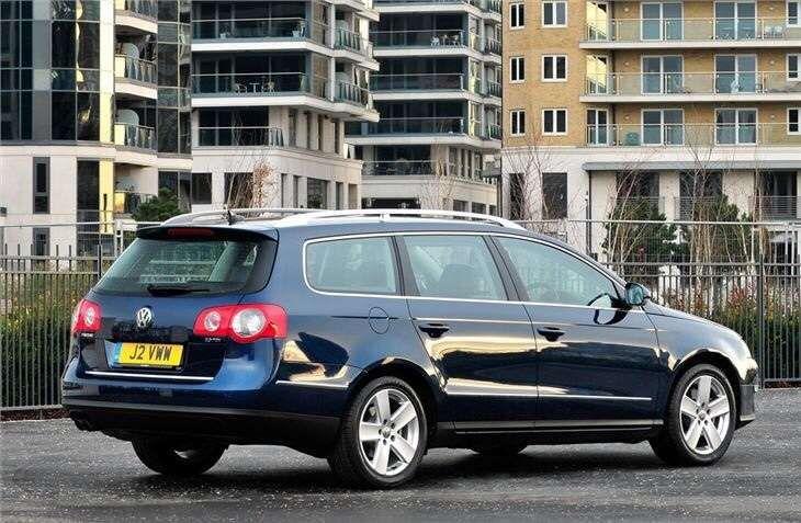 Aripă/Laterală Stânga Volkswagen Passat Break B6