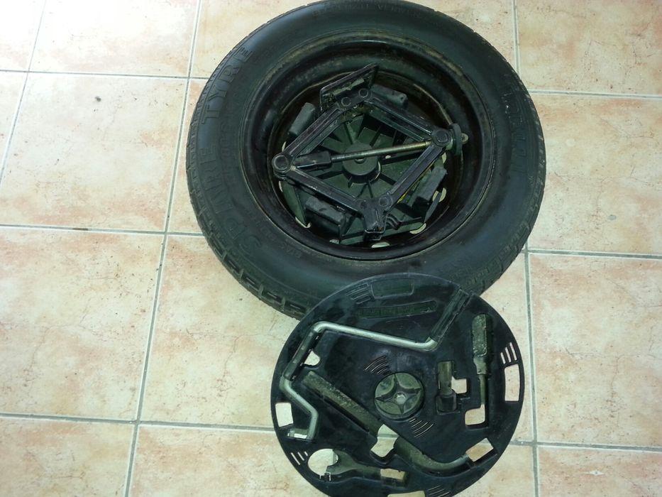 Резервна гума със крик