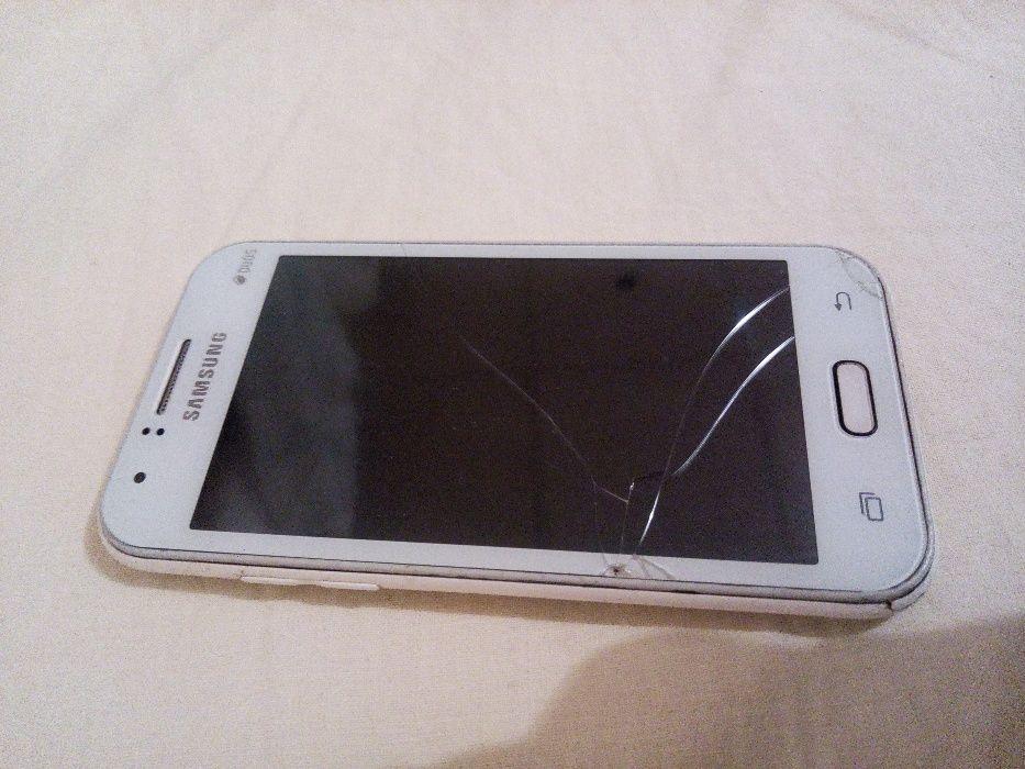 Vendo o meu Samsung J1 a bom preço= 13.000kz