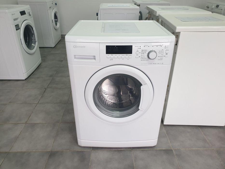 Masina de spălat rufe Bauknecht. Capacitate cuva 8 kg / Pret 600 lei.