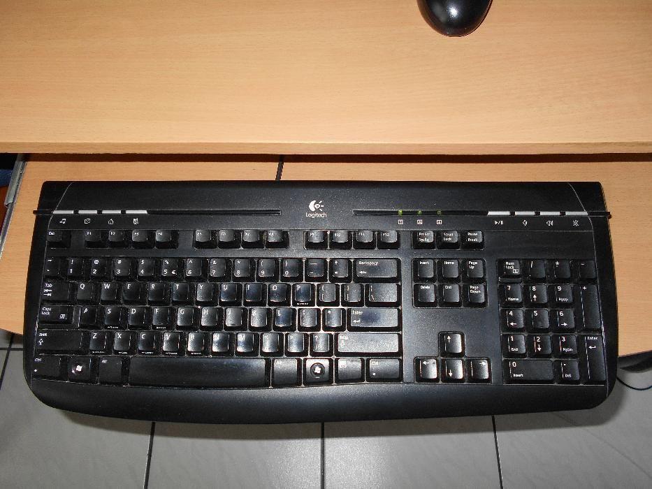 tastatura LOGITECH, cu fir + mouse