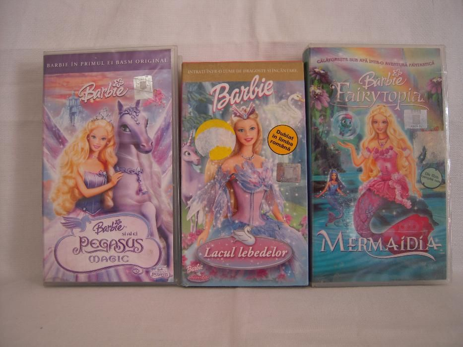 Vand 3 casete video Barbie desene animate,originale,noi-noute!