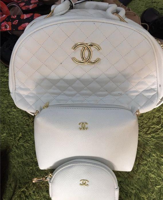 Conjunto de pastas da Chanel