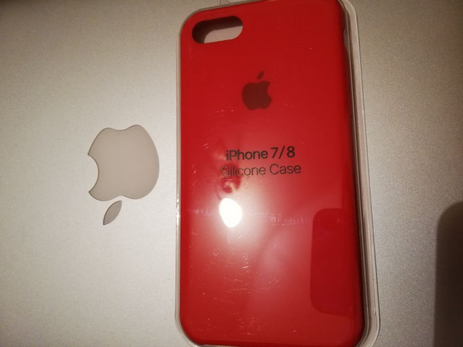 Vand Husa iPhone 7/8 Red product noua sigilata