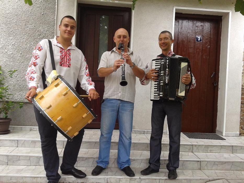 ®Оркестър за Сватба Извеждане на Булка Събори Юбилеи ИзненадиТържест