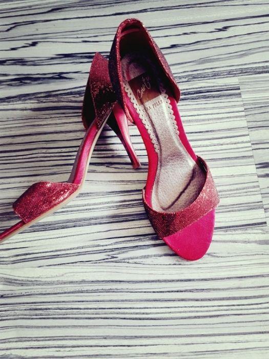Sandale cu paiete bordo