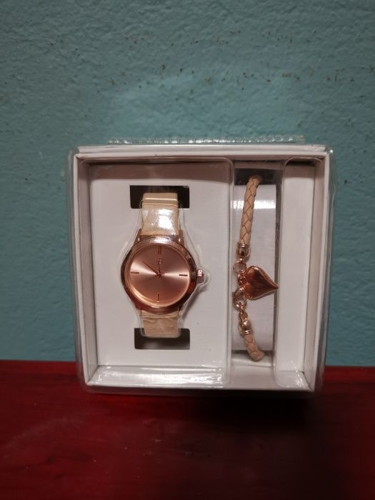 Relógios homem e senhora