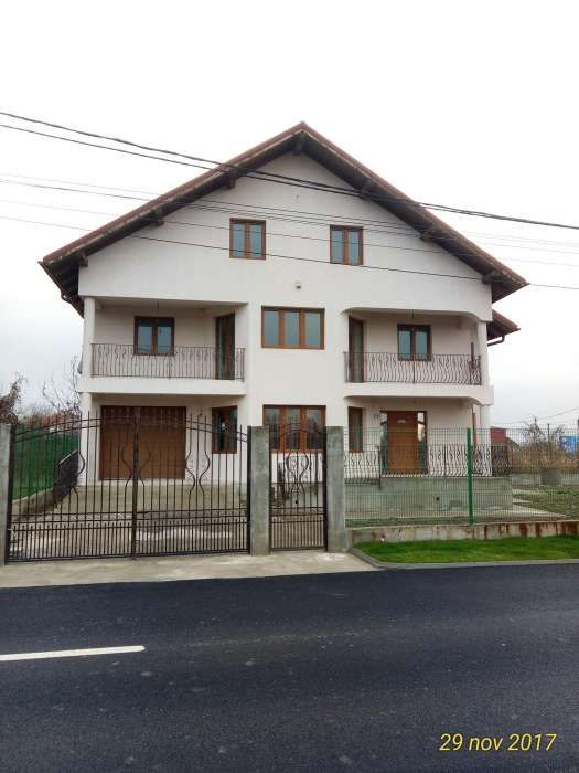 Casa vila in Bucov, langa Mica Roma, sc. 411 mp