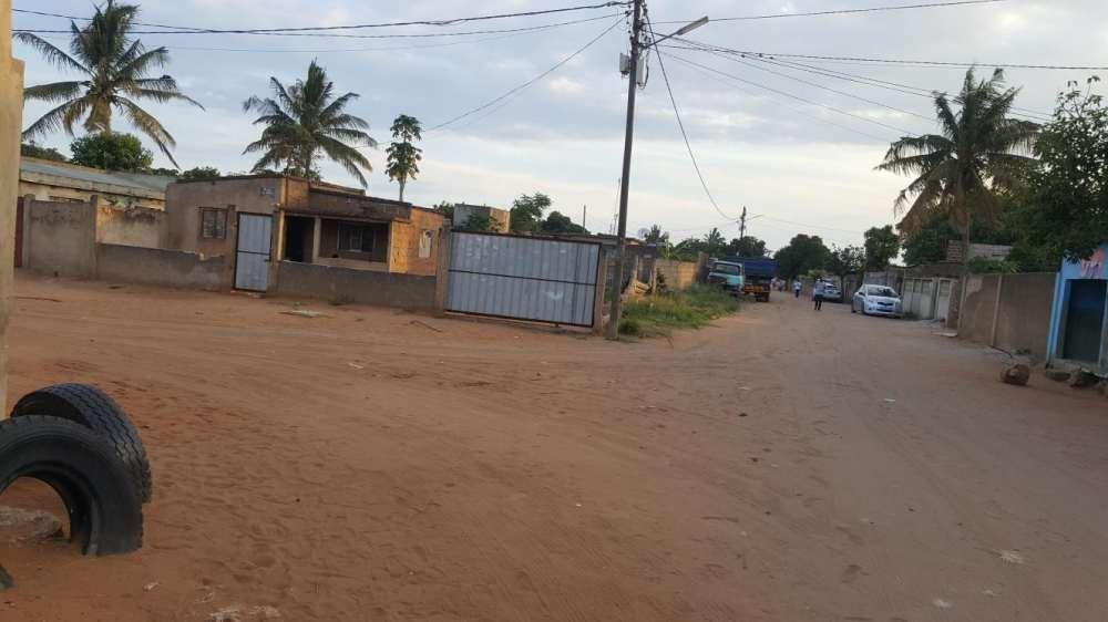 Terreno avenda no bairro de laulane