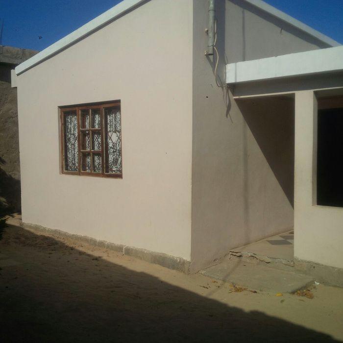 Vende-se casa T3 em Malhazine