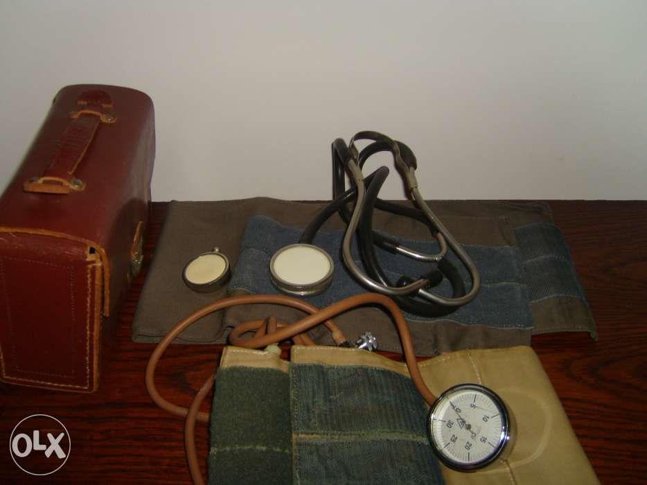 stetoscop si aparat de masurare a tensiunii arteriale la copii, adulti